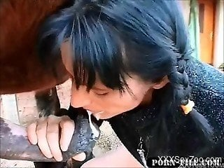 Brunette filmed when swallowing horse sperm after blowjob