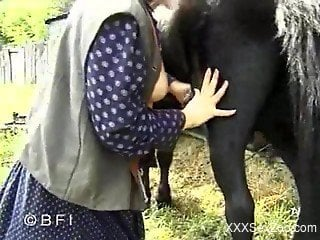 Outdoors blowjob for a horse by some yokel slut