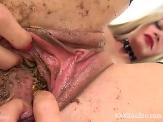 Fishnets-wearing MILF wants maggots in her moist cunt